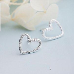 925 sterling silver heart stud earrings